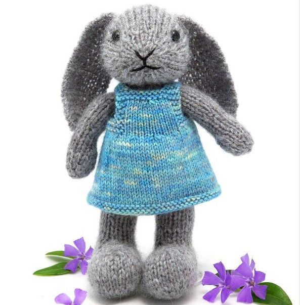 knit toy-well dressed bunny